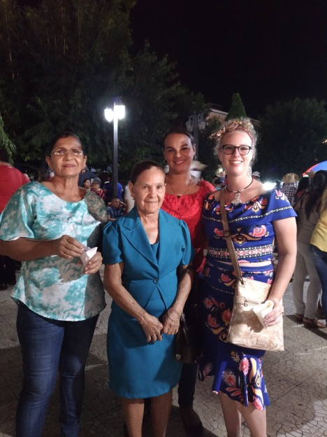 At Santa Libraba with Madre, Abuela, y Bisabuela -- three women in Panama who SERIOUSLY held it down working, taking care of family, and hustling.
